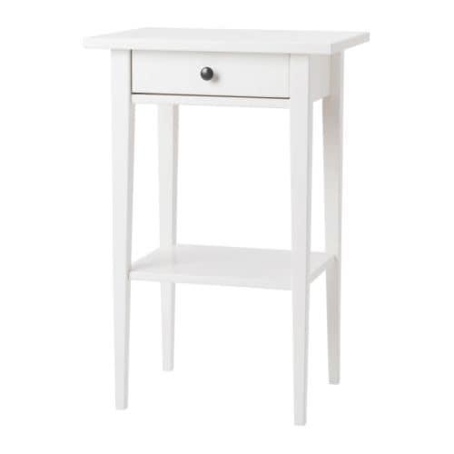 HEMNES Sivupöytä IKEA Helposti avattavassa ja suljettavassa laatikossa on pysäyttimet.