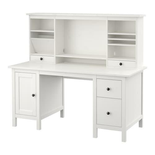 HEMNES Työpöytä+lisäosa IKEA Keskiosan siirrettävän hyllylevyn ansiosta tilaa voi säätää tietokoneen näytölle tai säilytykseen sopivaksi.