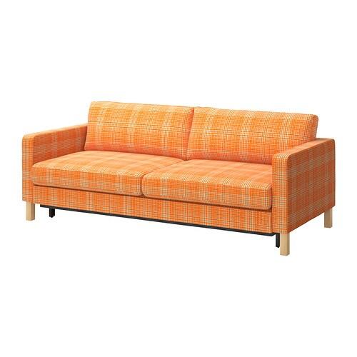 KARLSTAD 3:n istuttava vuodesohva IKEA Istuimen alla säilytystilaa kahdelle tyynylle ja peitolle.