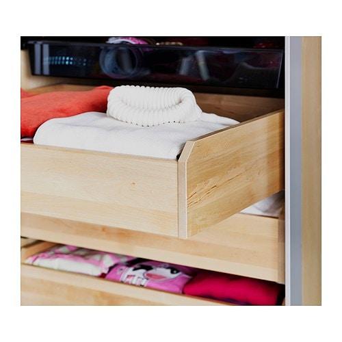 KOMPLEMENT Laatikko IKEA Kevyesti liukuvissa laatikoissa on pysäyttimet. Ulos vedettävässä laatikossa tavarat ovat helposti nähtävissä ja saatavilla.