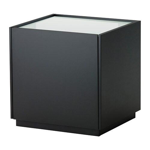 NYVOLL Sivupöytä IKEA Laatikonvaimentimen ansiosta laatikko sulkeutuu hitaasti, hiljaa ja pehmeästi.
