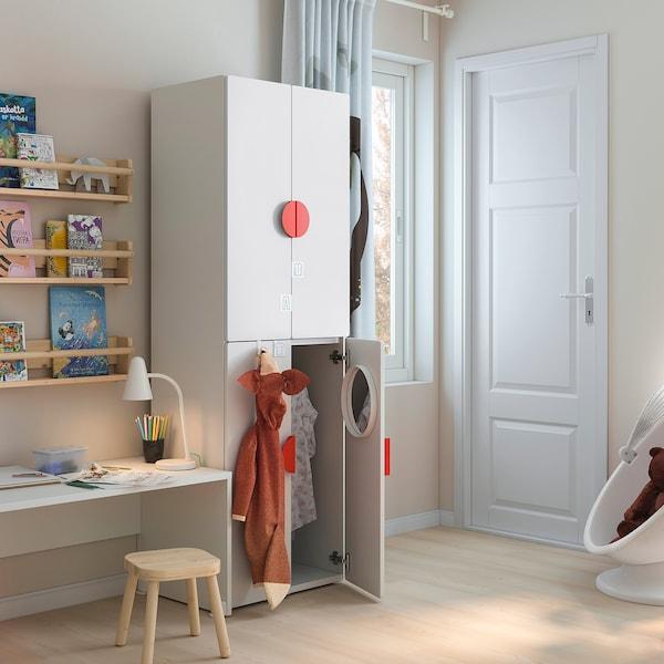 SMÅSTAD / PLATSA Vaatekaappi, valkoinen valkoinen/ja 2 vaatetankoa, 60x40x180 cm
