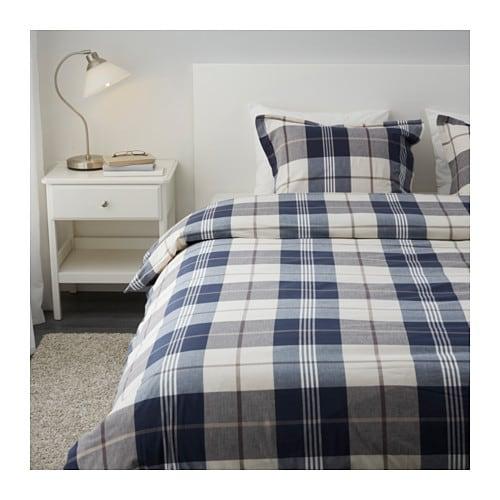 KUSTRUTA Housse de couette et 2 taies IKEA Teint sur fil; le fil est teinté avant d'être tissé. Confère une très grande douceur au linge de lit.