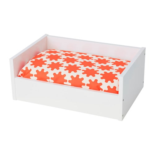 lurvig lit avec coussin blanc orange blanc ikea. Black Bedroom Furniture Sets. Home Design Ideas