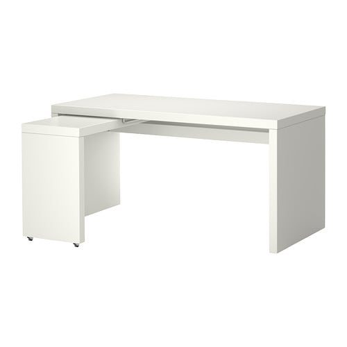 Malm bureau avec tablette coulissante blanc ikea for Bureau gamer ikea