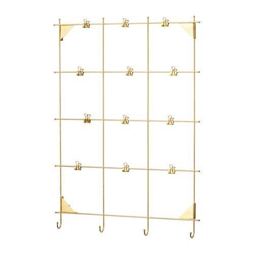 MYRHEDEN Cadre IKEA Fourni avec 12 pinces. Il est possible aussi de suspendre aux crochets des clés et d'autres petits objets.
