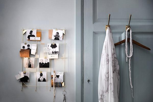 MYRHEDEN tableau-mémo avec pinces couleur laiton 45 cm 62 cm