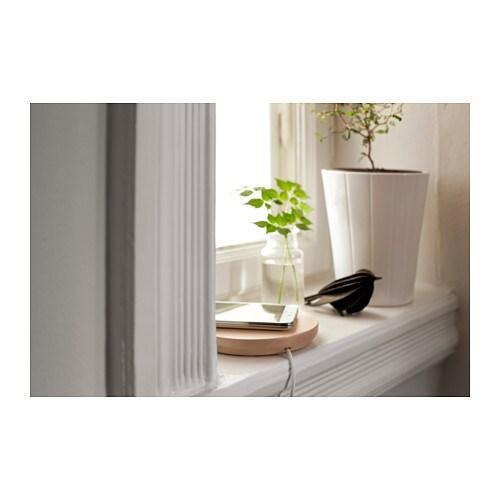 http://www.ikea.com/fr/fr/images/products/nordmarke-station-de-charge-simple-sans-fil__0370998_PH124116_S4.JPG