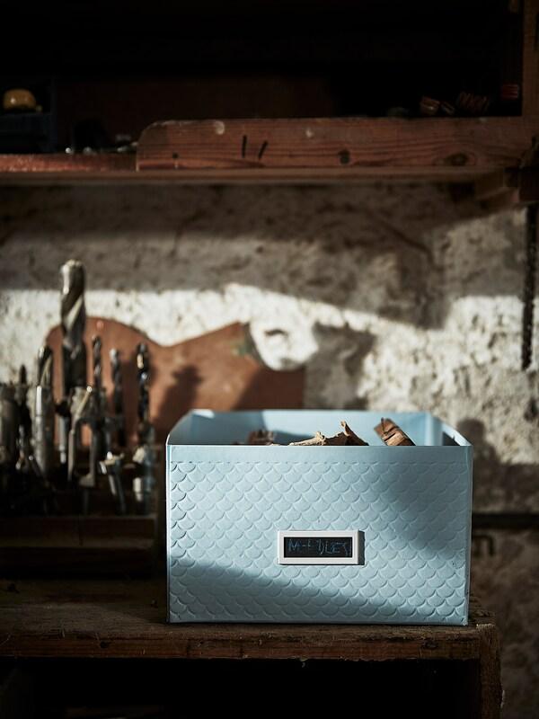 PALLRA Boîte de rangement avec couvercle, bleu clair, 25x35x15 cm