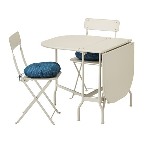 saltholmen table 2 chaises pliantes ext rieur saltholmen beige ytter n bleu ikea. Black Bedroom Furniture Sets. Home Design Ideas