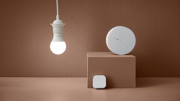 TRÅDFRI Kit avec passerelle, spectre blanc, E27