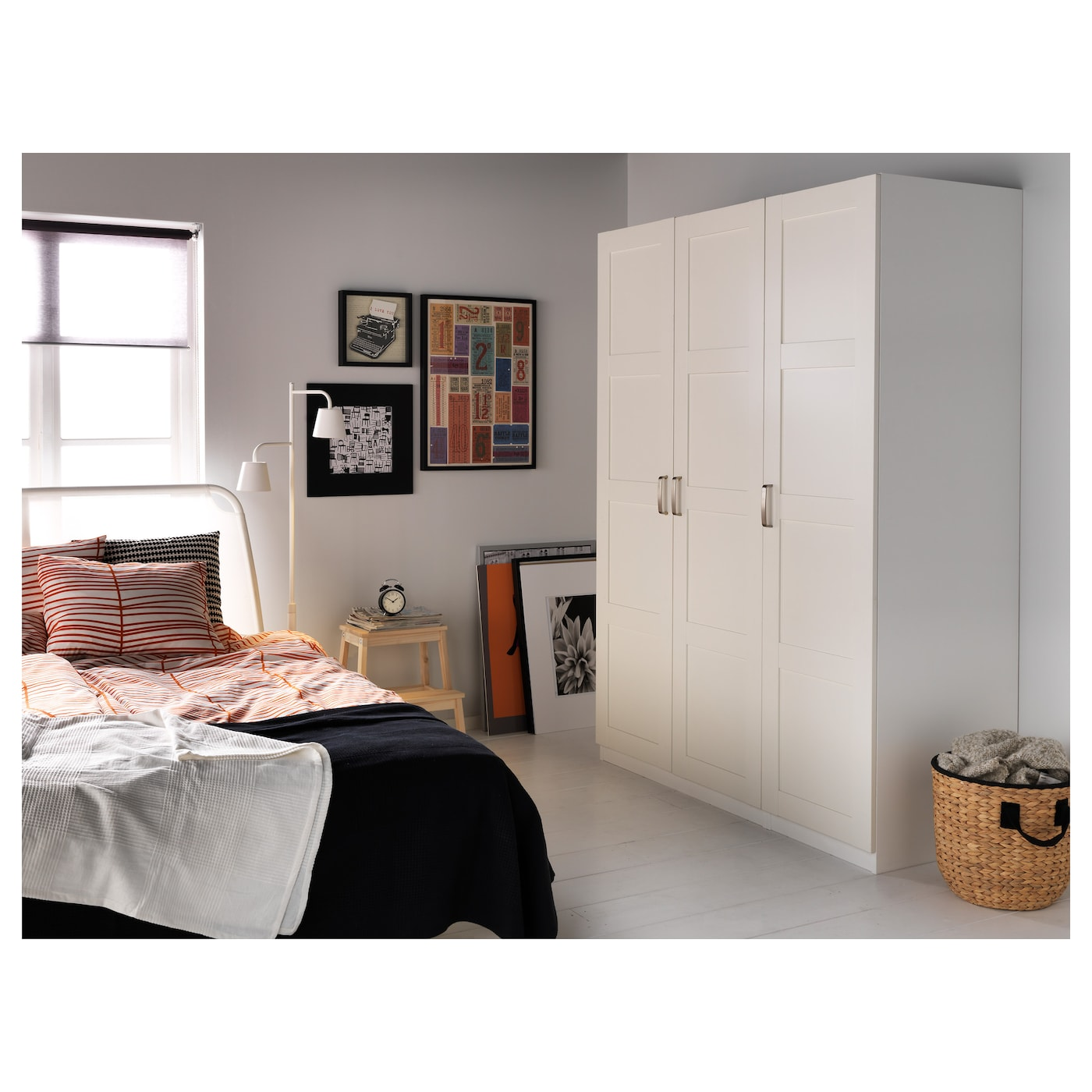 IKEA BERGSBO door 10 year guarantee. Read about the terms in the guarantee brochure.