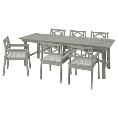 BONDHOLMEN Table+6 chairs w armrests, outdoor, grey stained/Kuddarna grey