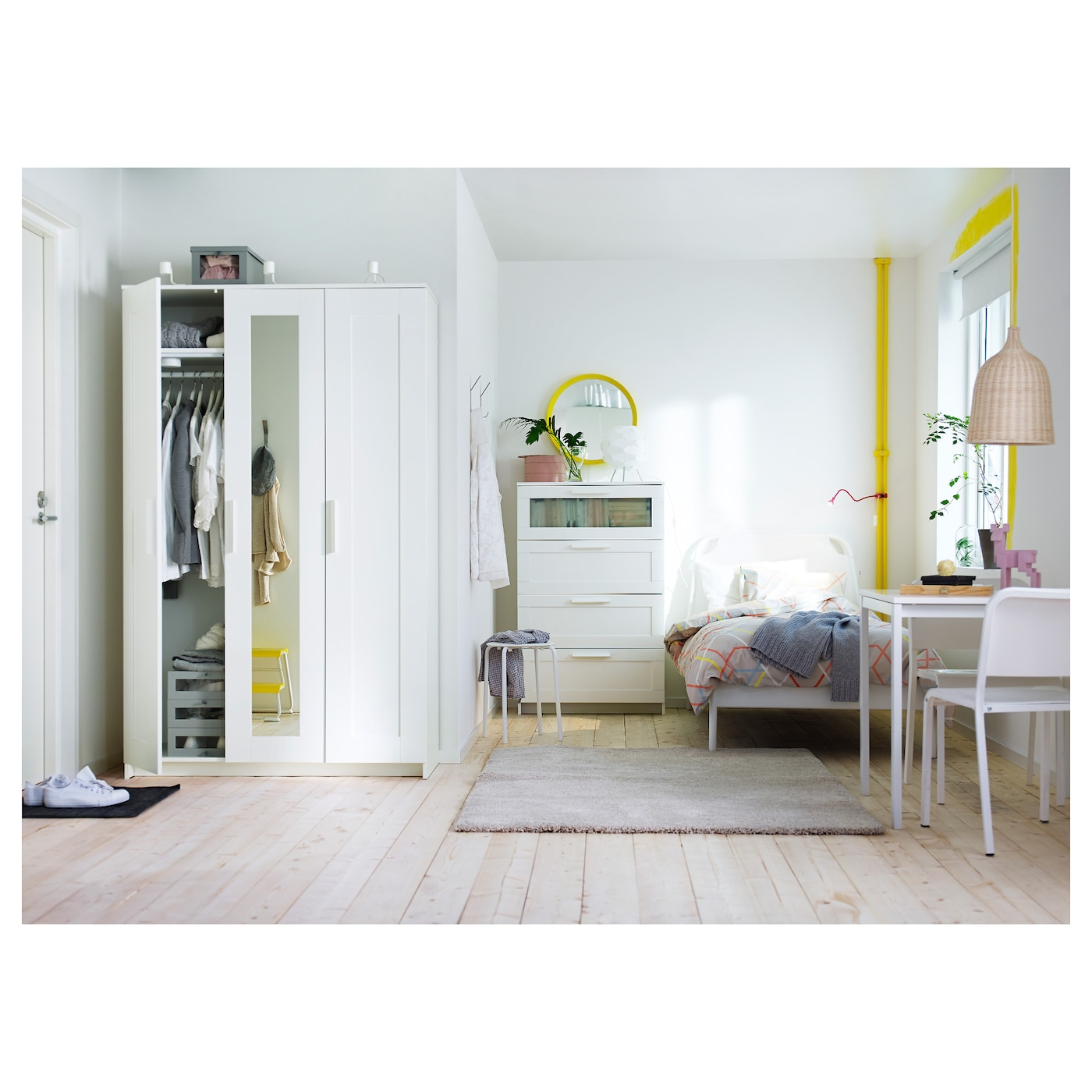 brimnes wardrobe with 3 doors white 117x190 cm ikea. Black Bedroom Furniture Sets. Home Design Ideas