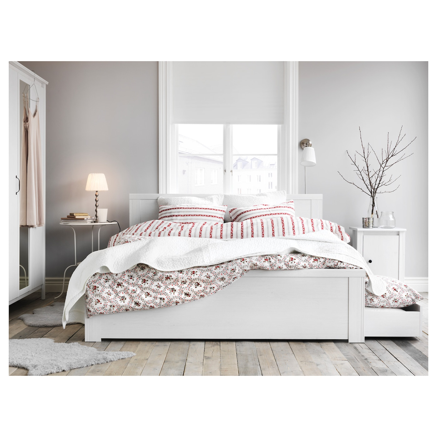 Brusali bed frame with 4 storage boxes white lur y for Ikea malm bett 140x200 anleitung