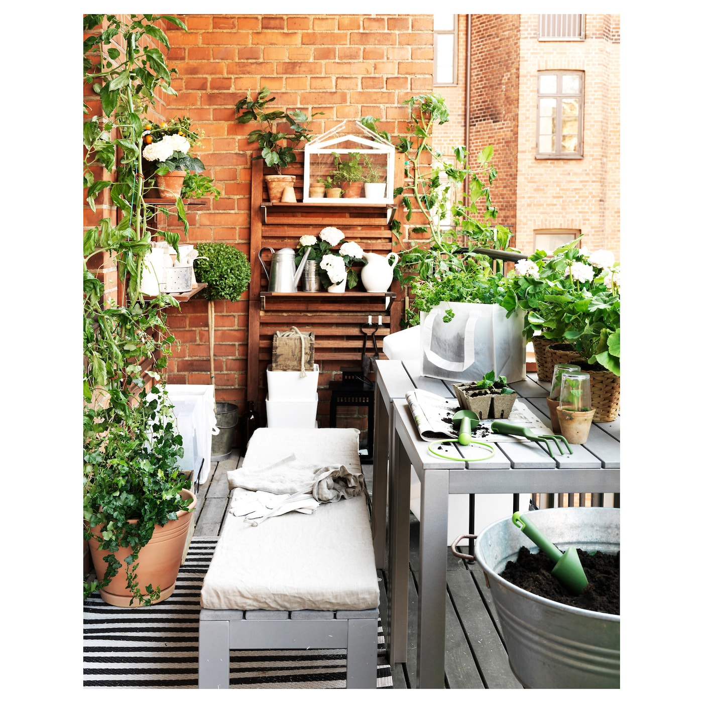 Ikea falster garden furniture design youtube - Ikea Falster Table Outdoor The Polystyrene Slats Are Weather Resistant And Easy To Care
