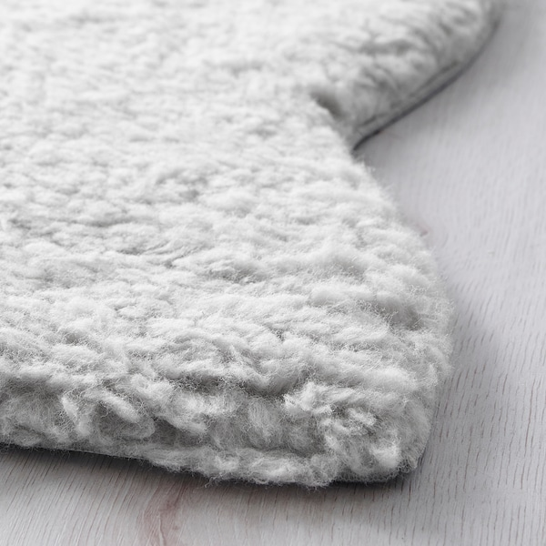 Wool Is Soil Repellent And Durable Use 1 Stopp Anti Slip Underlay If You The Sheep Skin As A Rug Trim Necessary