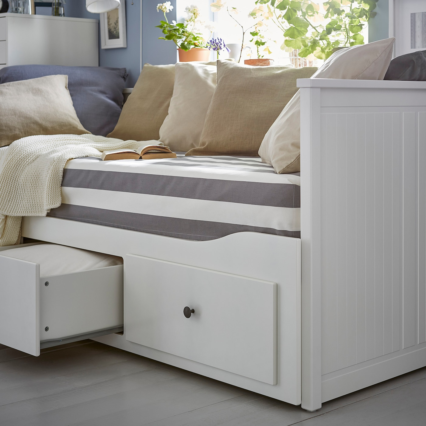 hemnes day bed w 3 drawers 2 mattresses white moshult firm 80 x 200 cm ikea. Black Bedroom Furniture Sets. Home Design Ideas