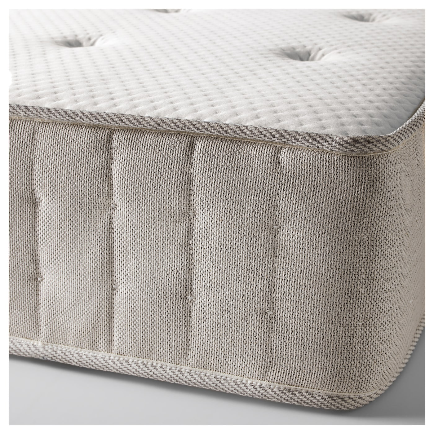 IKEA HESSENG pocket sprung mattress Designed to be used on one side only – no need to turn.