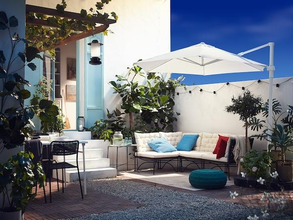 JUTHOLMEN Easy chair, outdoor, dark grey/Kuddarna beige, 65x73x71 cm