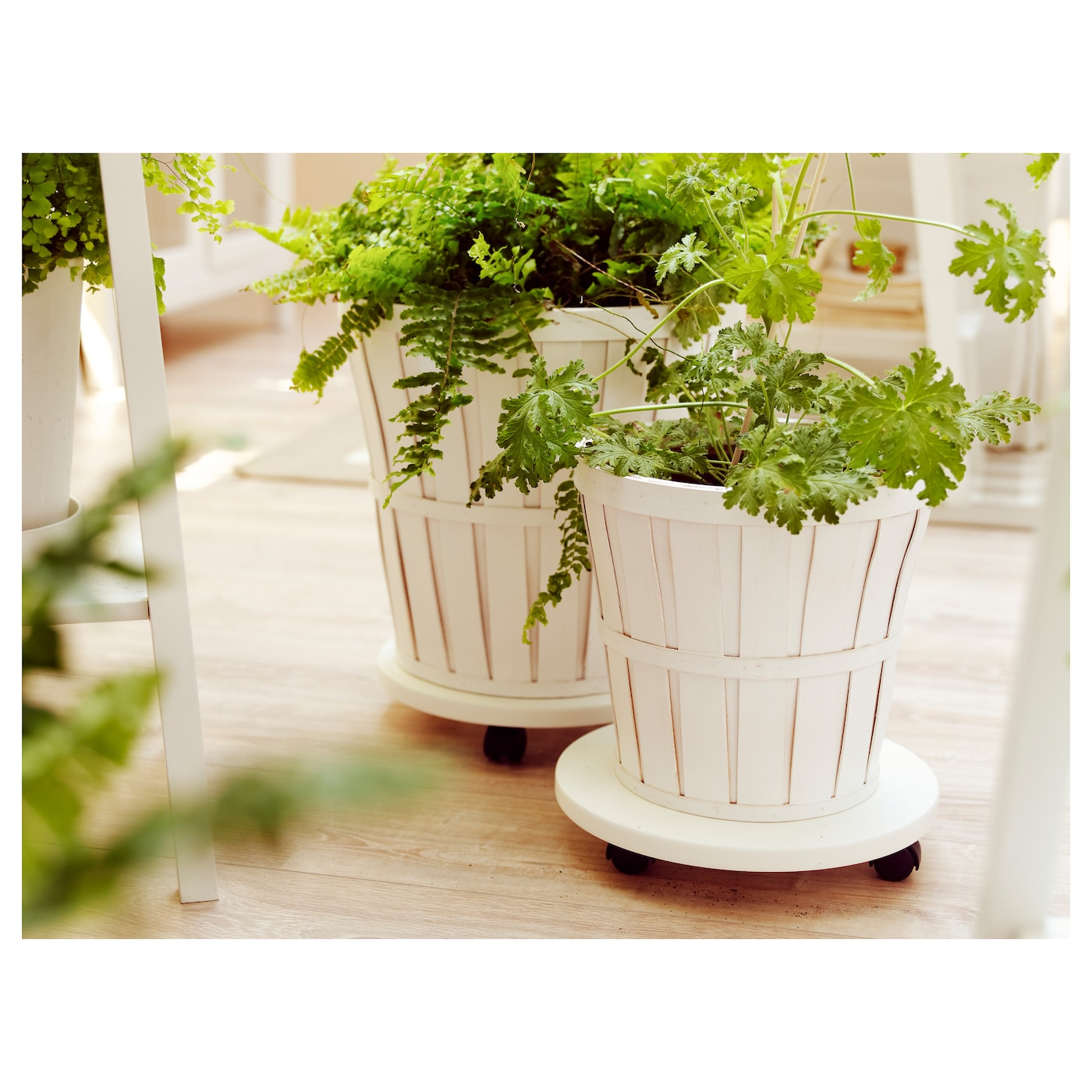 IKEA KALASA plant pot A plastic inner pot makes the plant pot waterproof.