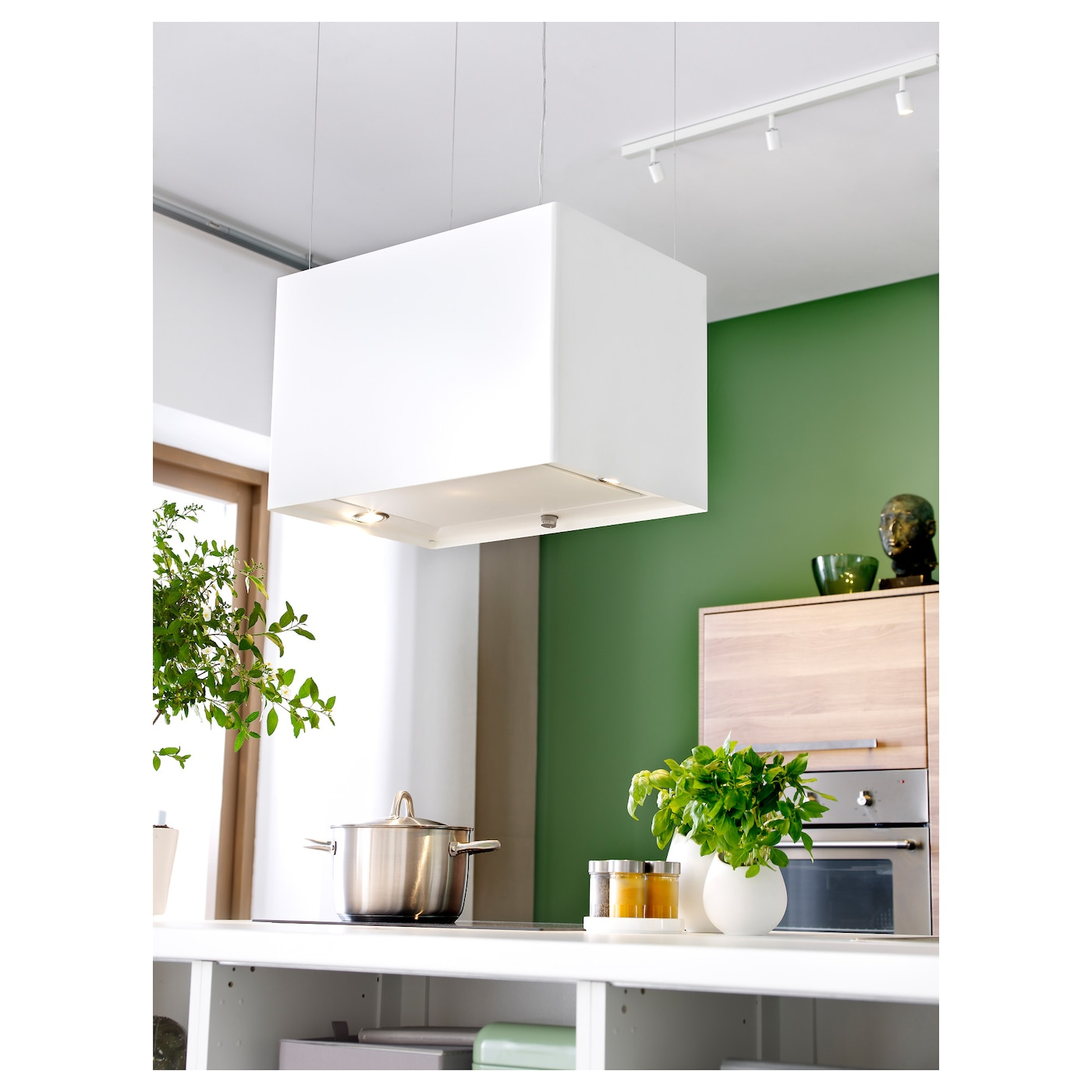 IKEA LÄCKERBIT extractor hood 5 year guarantee. Read about the terms in the guarantee brochure.