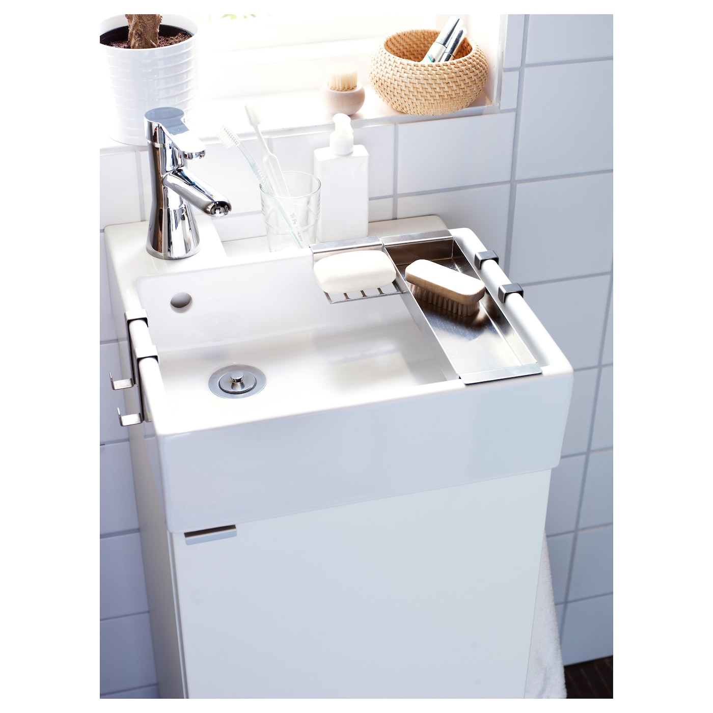 lill ngen wash basin cabinet with 1 door white 40x38x64 cm ikea. Black Bedroom Furniture Sets. Home Design Ideas
