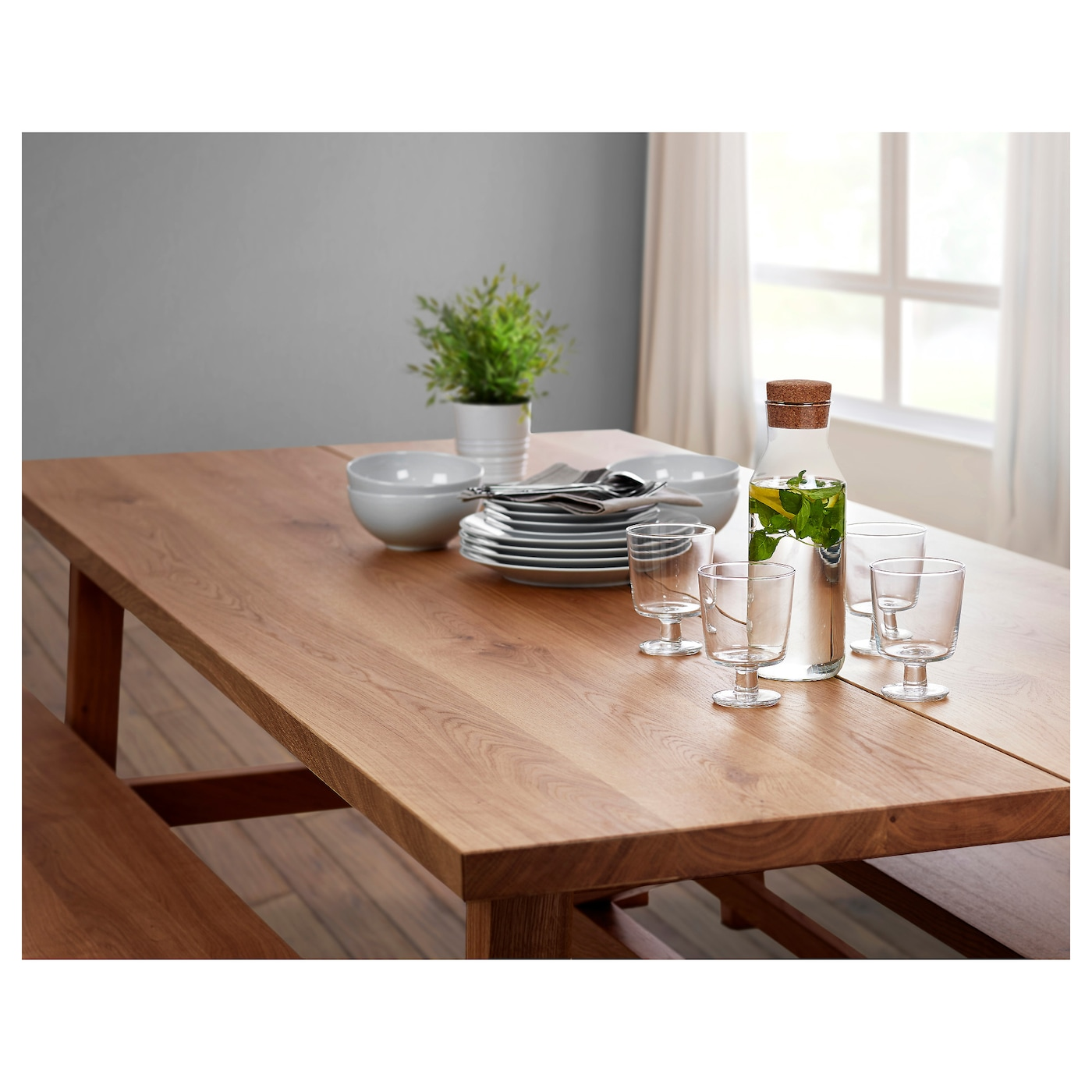 IKEA MÖCKELBY table The plank expression is enhanced by the design on the edges.