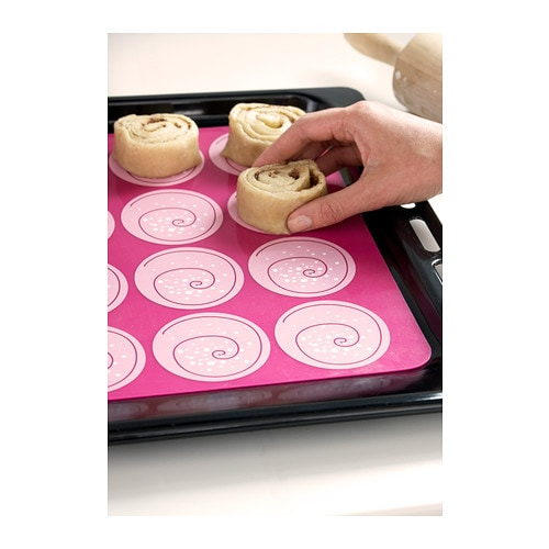 IKEA MÖNSTRAD oven/baking mat Can be rolled up and therefore takes little space when you store it.