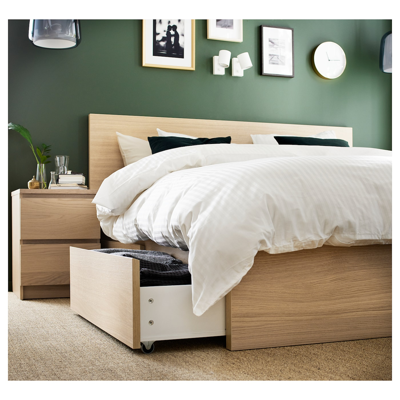 MALM white stained oak veneer, Bed