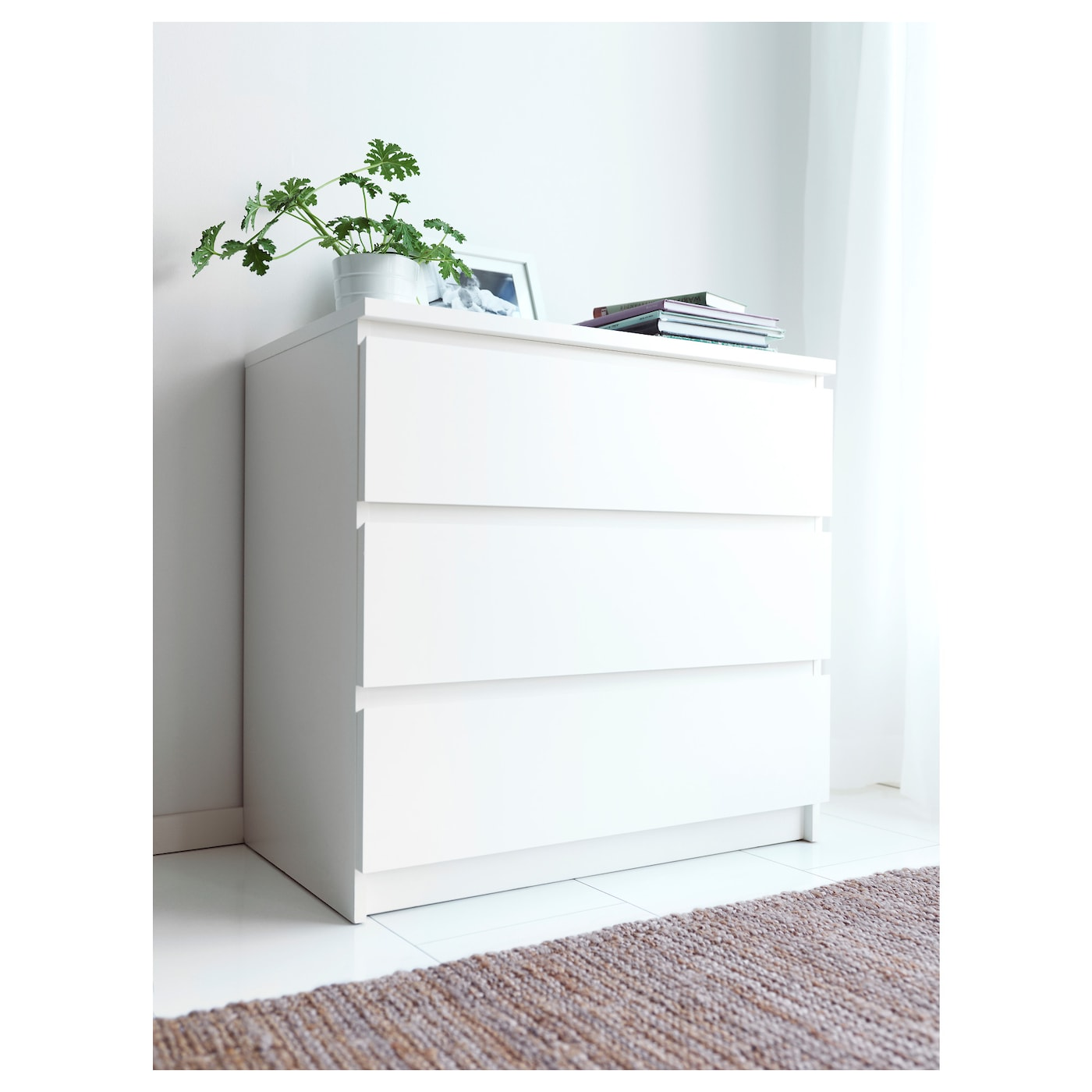 IKEA MALM chest of 3 drawers Smooth running drawers with pull out stop. MALM Chest of 3 drawers White 80x78 cm   IKEA