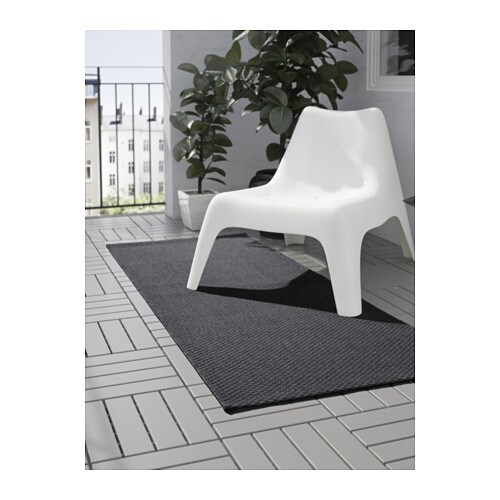 Morum rug flatwoven in outdoor dark grey 80x200 cm ikea for Outdoor teppich ikea
