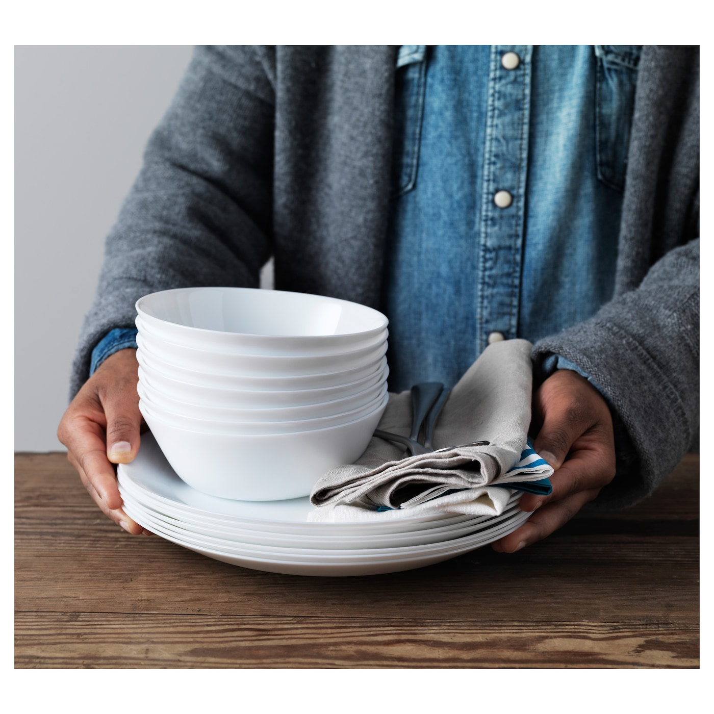 IKEA OFTAST bowl Made of tempered glass, which makes the bowl durable and extra resistant to impact.