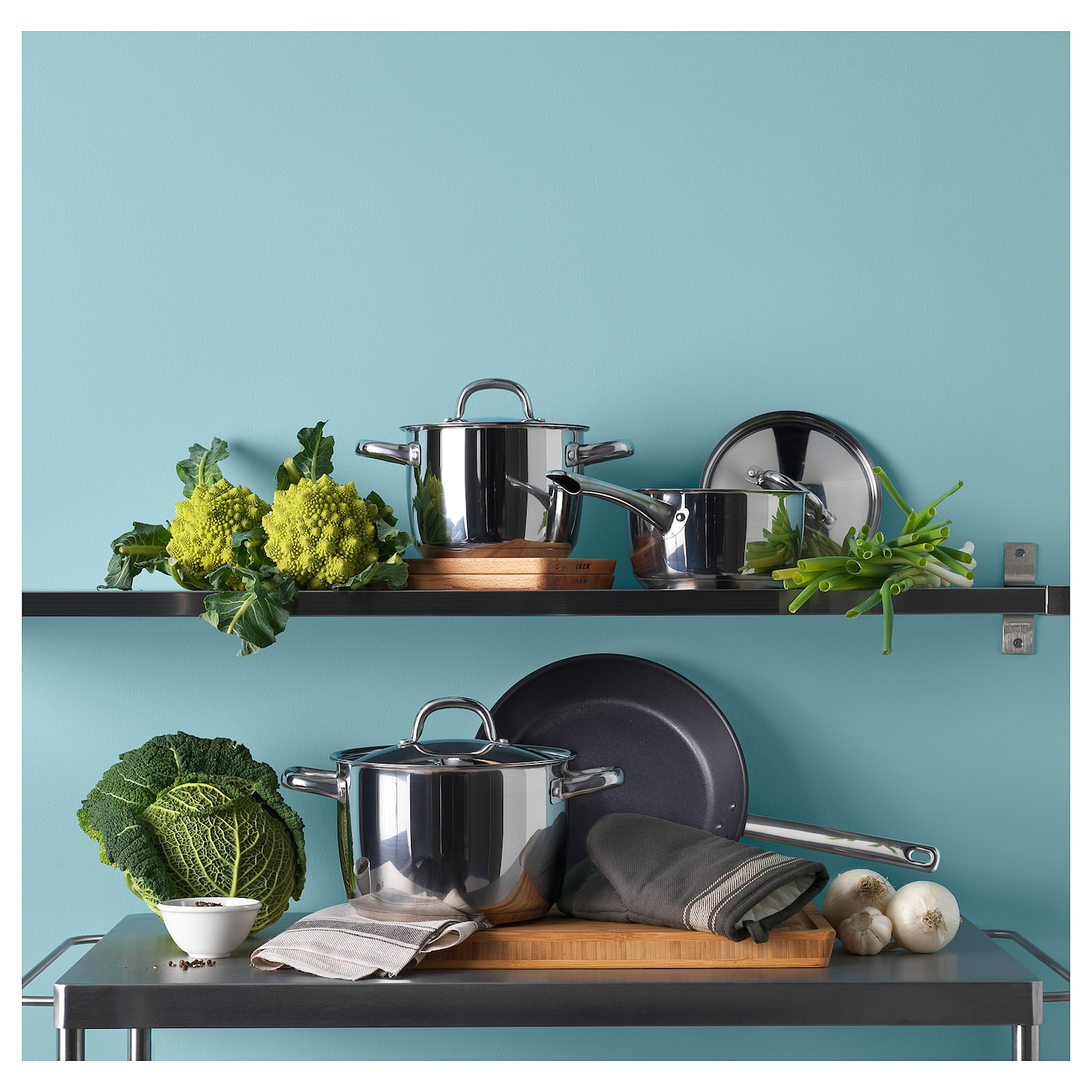 IKEA OUMBÄRLIG 7-piece cookware set Works well on all types of hobs, including induction hob.