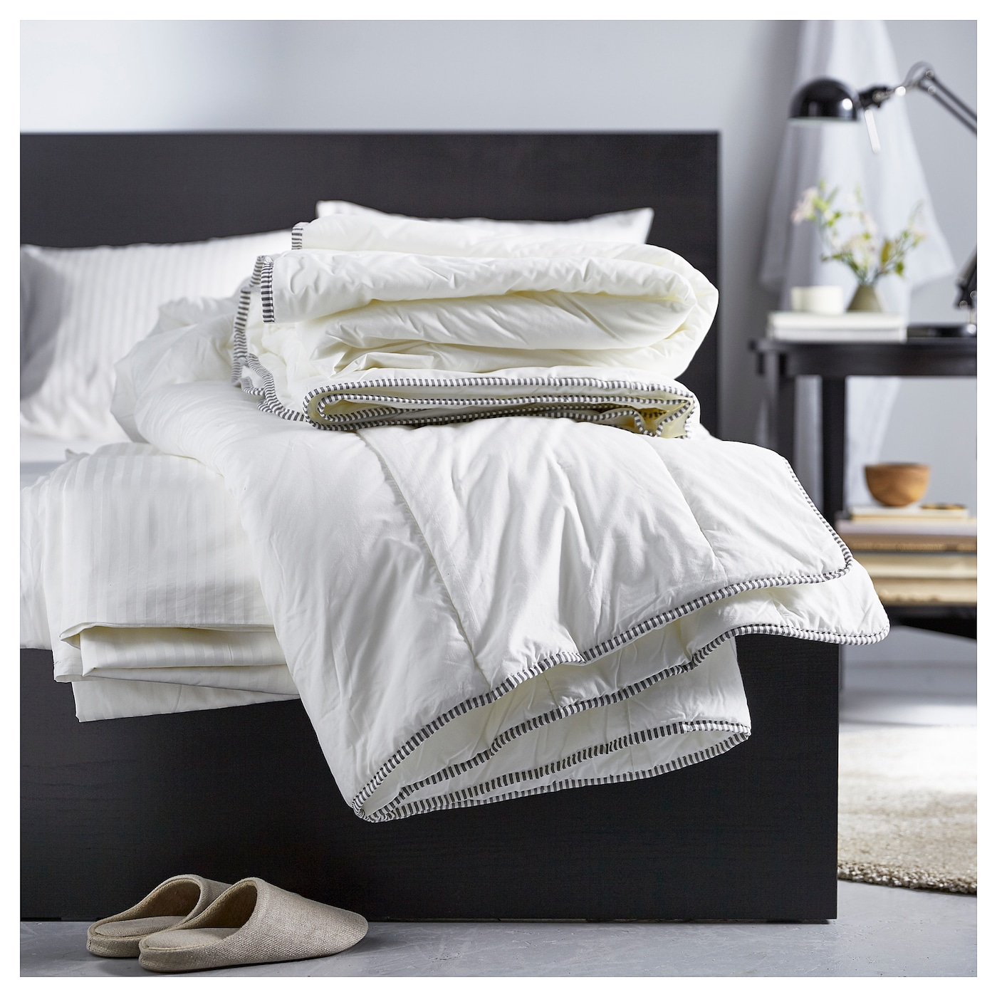 IKEA RÖDTOPPA duvet, 12 TOG A good choice if you need extra warmth while sleeping.