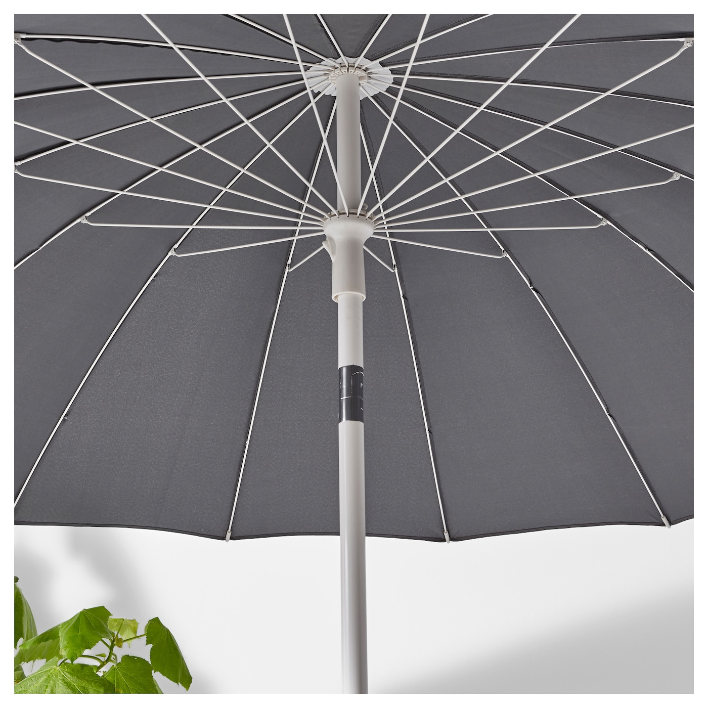 IKEA SAMSÖ parasol You can adjust the height of the parasol to perfectly suit your space.