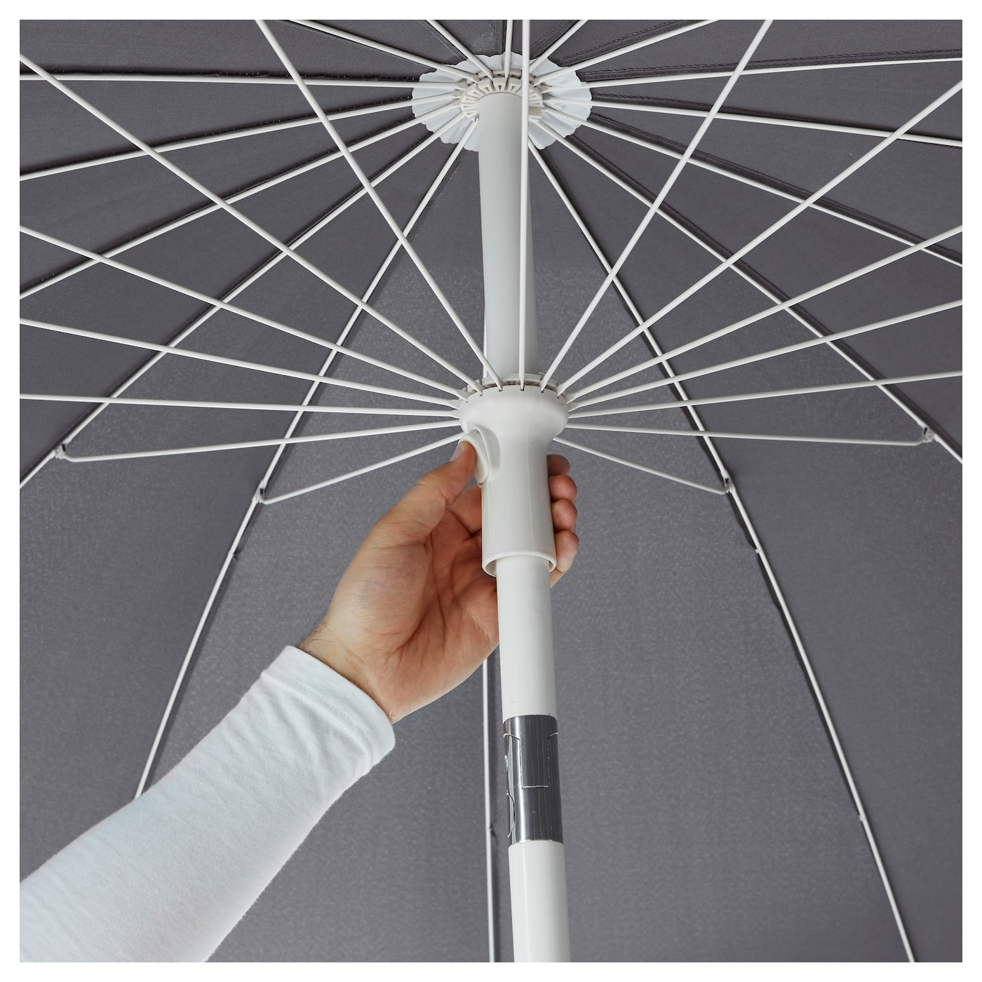 IKEA SAMSÖ parasol with base You can adjust the height of the parasol to perfectly suit your space.
