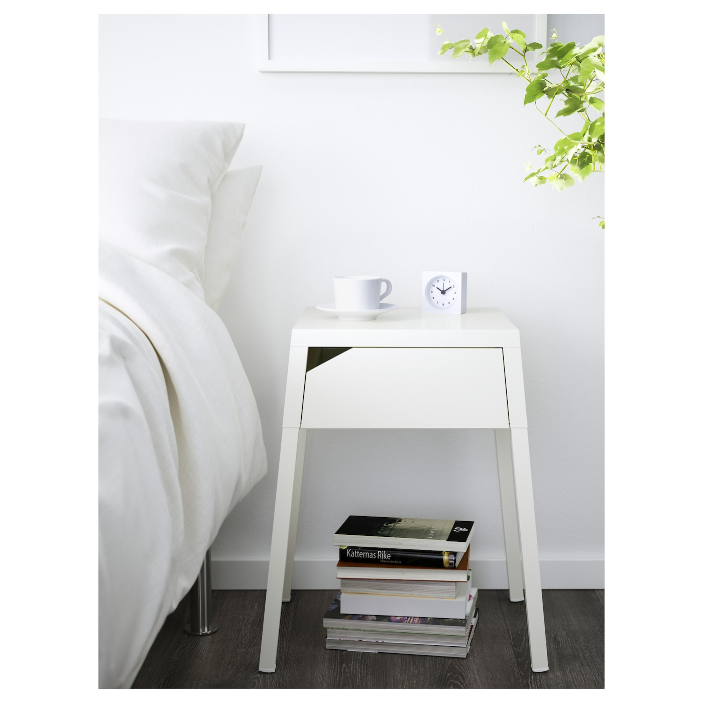 ikea selje bedside table in the drawer there is room for an extension