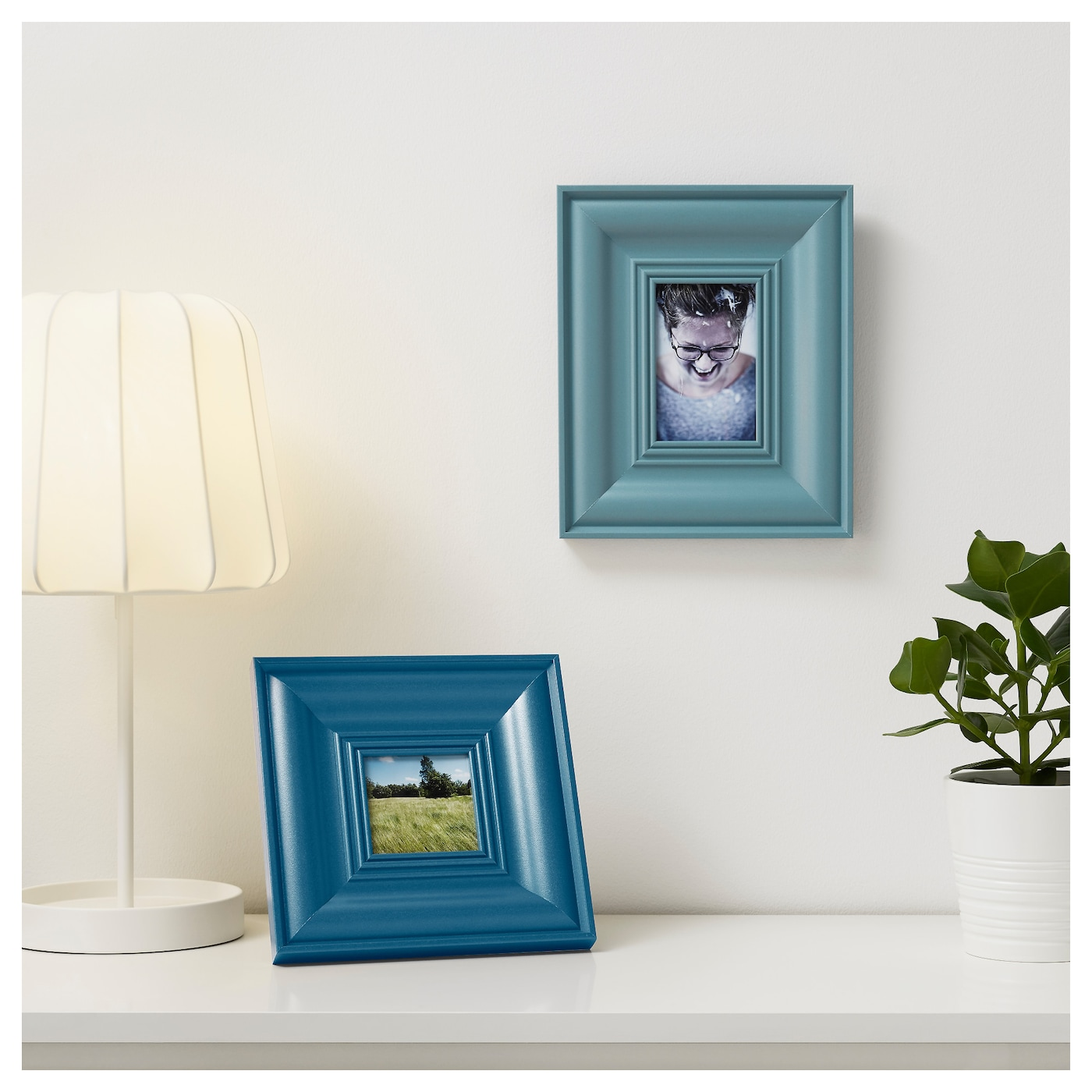 IKEA SKATTEBY frame, set of 2 Front protection in durable plastic makes the frame safer to use.