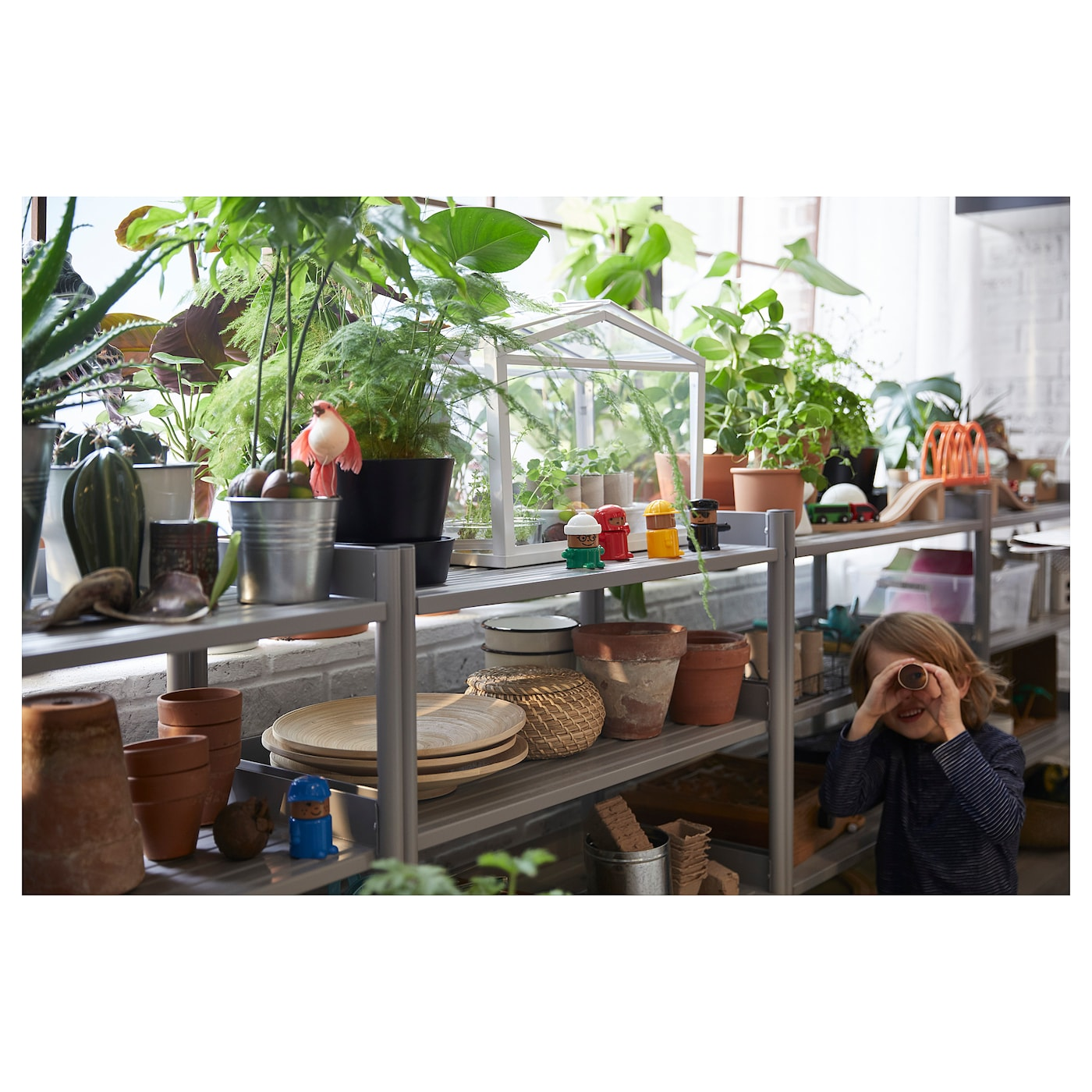 IKEA SOCKER greenhouse Provides a good environment for seeds to sprout and plants to grow.