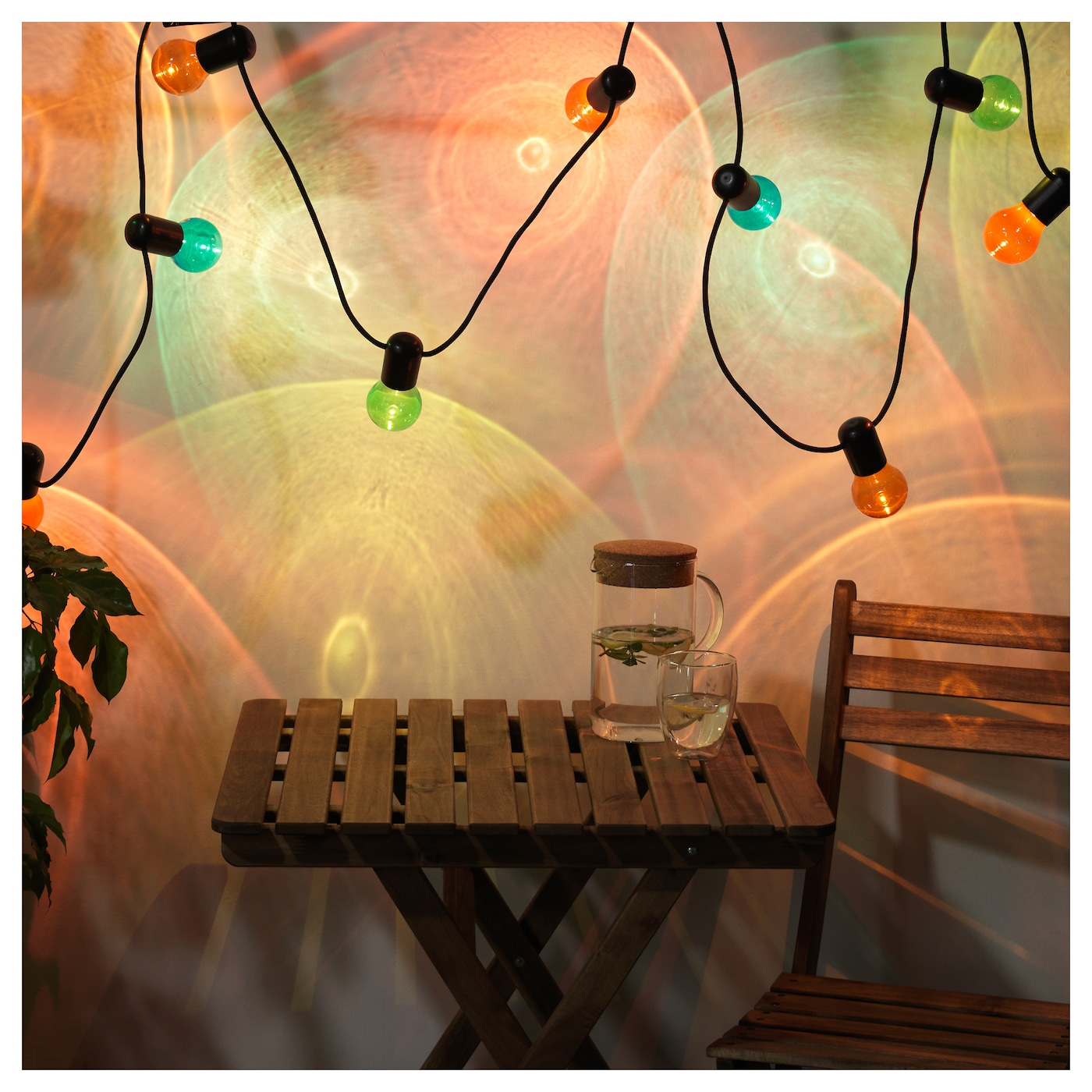 IKEA SOLVINDEN LED lighting chain with 12 bulbs Creates a dramatic effect in the dark.