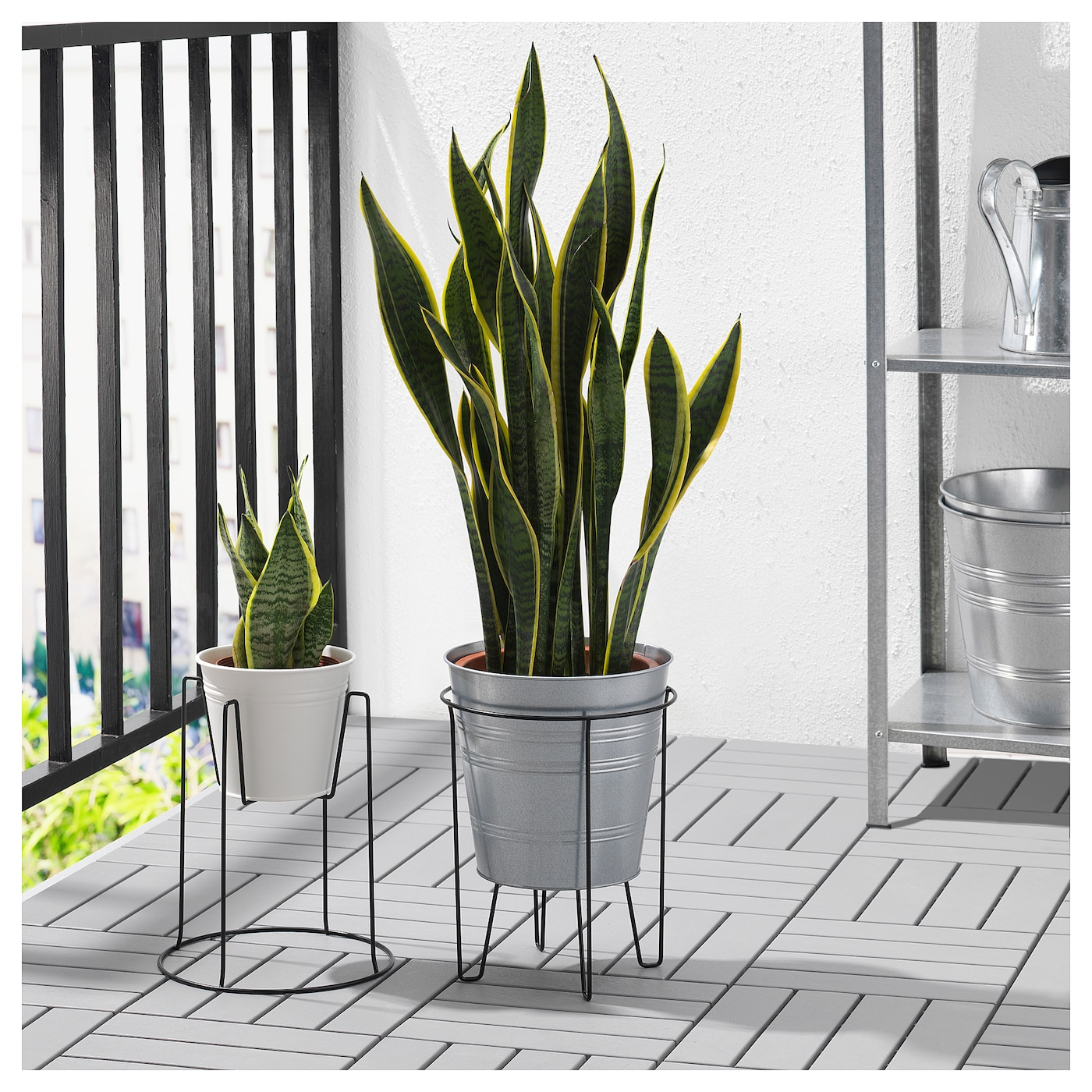 Sommar 2018 plant stand in outdoor black 26 cm ikea for Black planters ikea