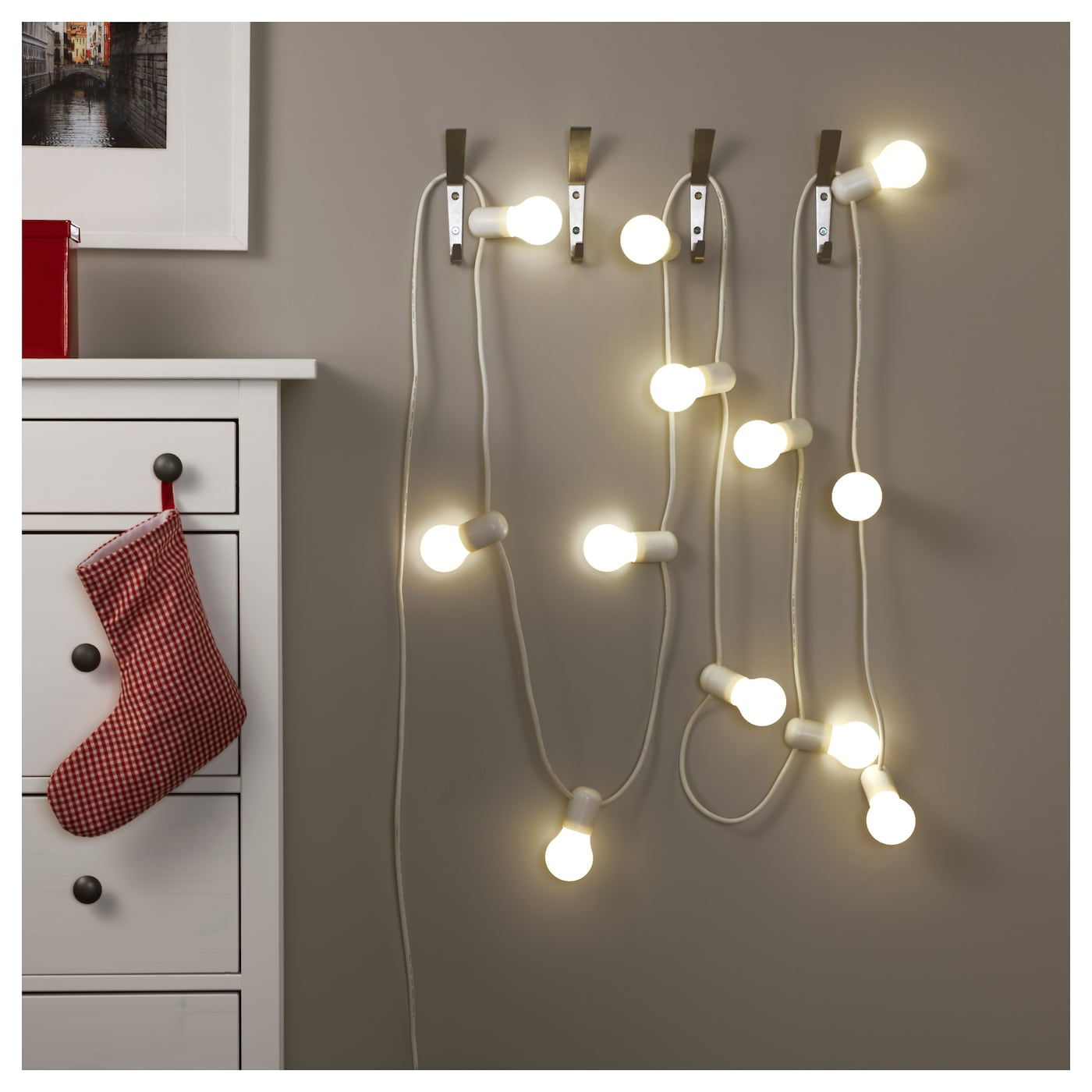 str la led lighting chain with 12 bulbs in outdoor frosted. Black Bedroom Furniture Sets. Home Design Ideas