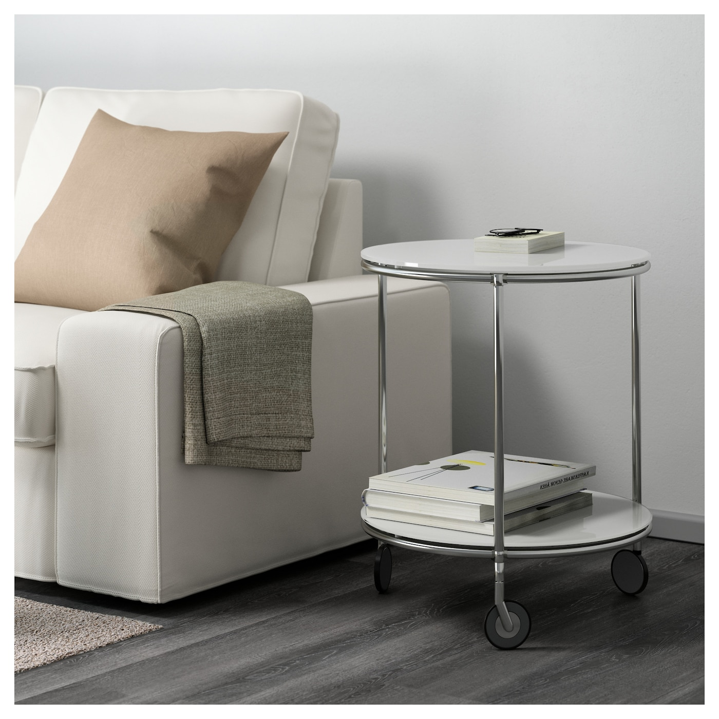Strind side table white nickel plated 50 cm ikea for Comodini ikea