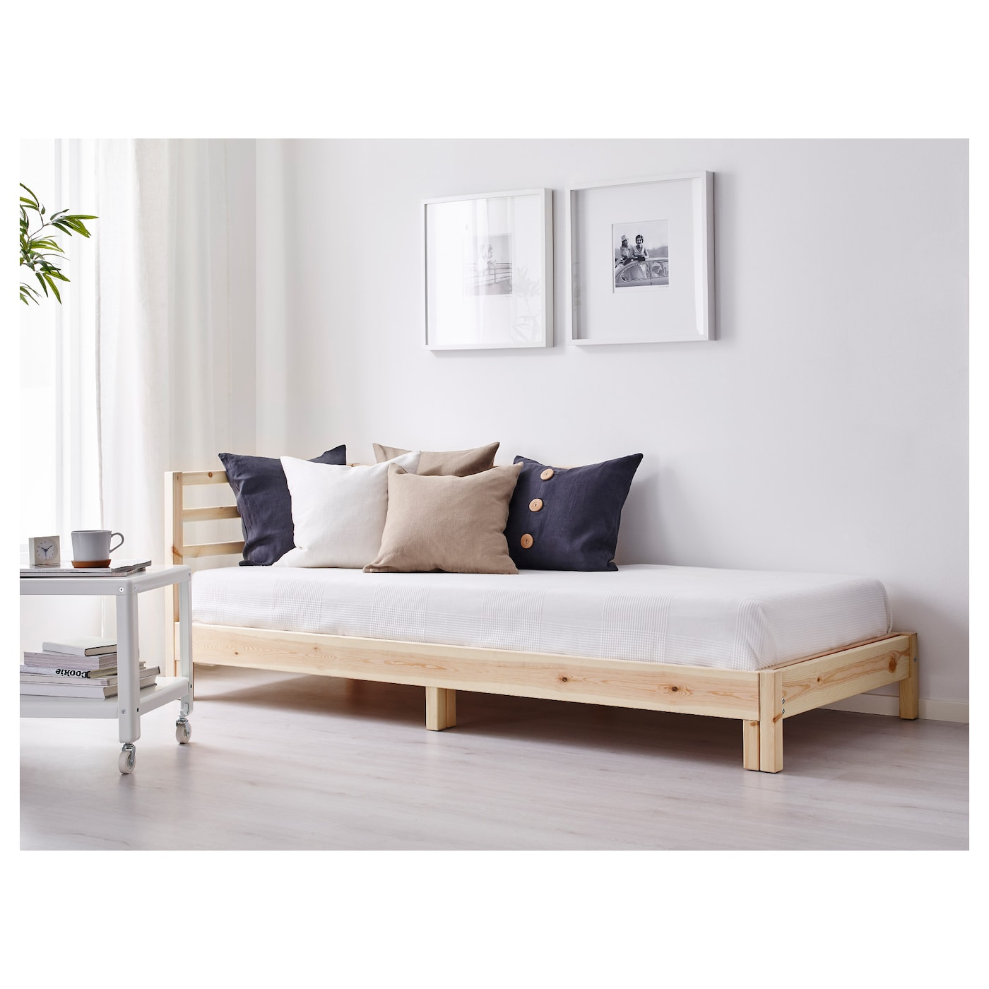 Tarva day bed frame pine 80 x 200 cm ikea for Ikea day bed