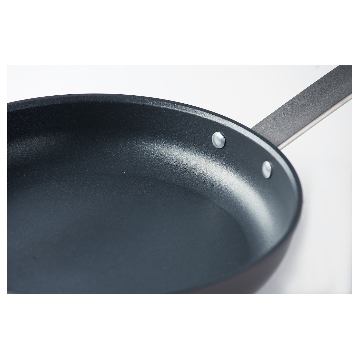 IKEA TROVÄRDIG frying pan 5 year guarantee. Read about the terms in the guarantee brochure.