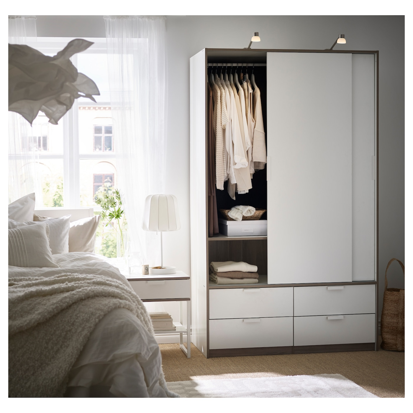 ikea trysil wardrobe w sliding doors 4 drawers smooth running drawers