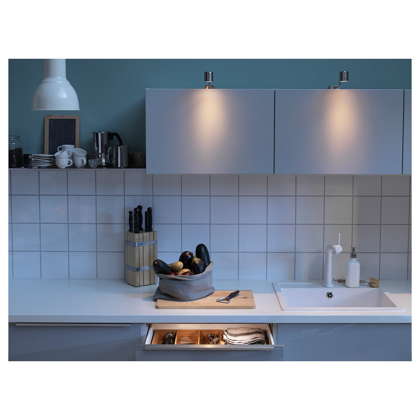 IKEA URSHULT LED cabinet lighting Provides a focused light that is good for lighting smaller areas.