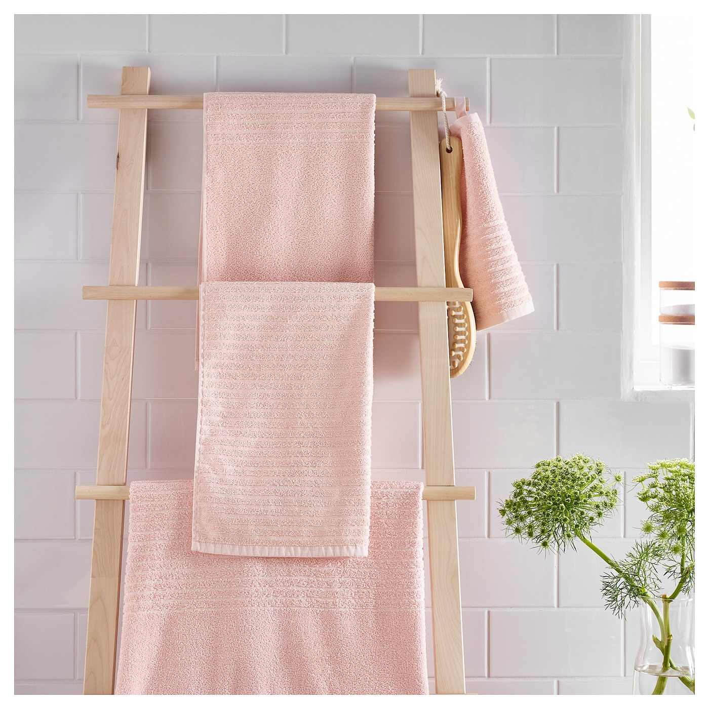 IKEA VÅGSJÖN washcloth The long, fine fibres of combed cotton create a soft and durable towel.