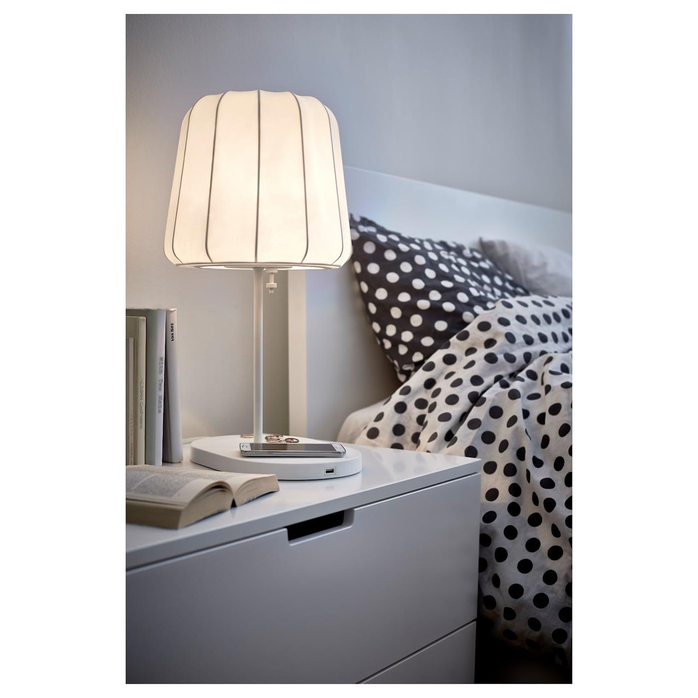 Varv table lamp with wireless charging ikea - Lampe de chevet sans fil ikea ...